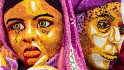 Очарователно: Вижте парада на далиите в родния град на Ван Гог