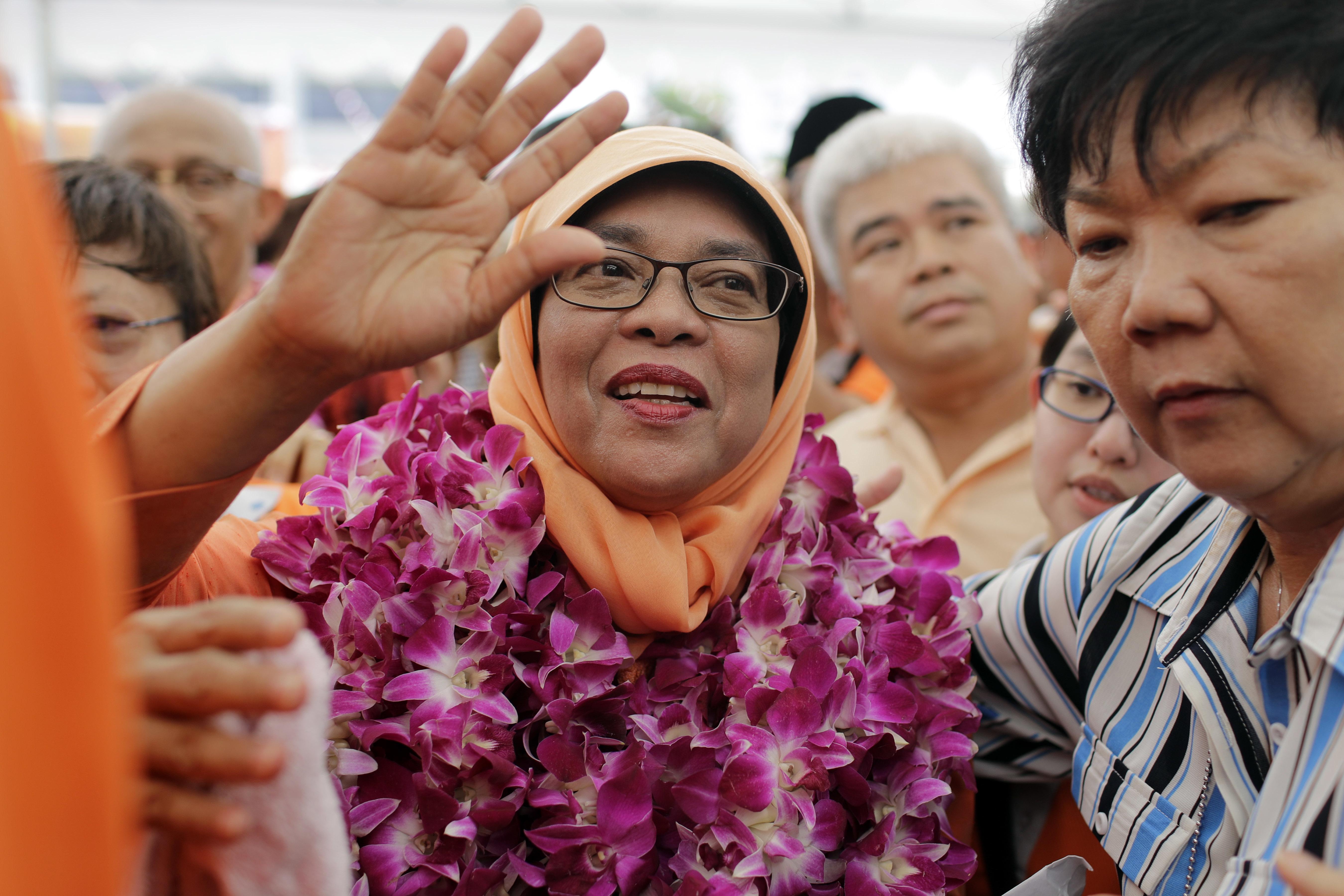 Мюсюлманка стана първата жена президент на Сингапур