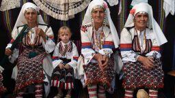 Български фотографи представят традиционни обичаи на България в Москва