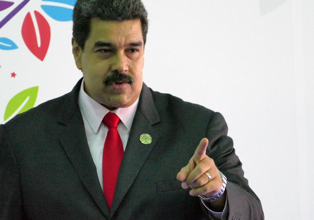 Мадуро обвини Макрон, че разрушава Франция