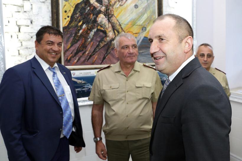 Румен Радев: Да не забавят и проекта за новите кораби за ВМС