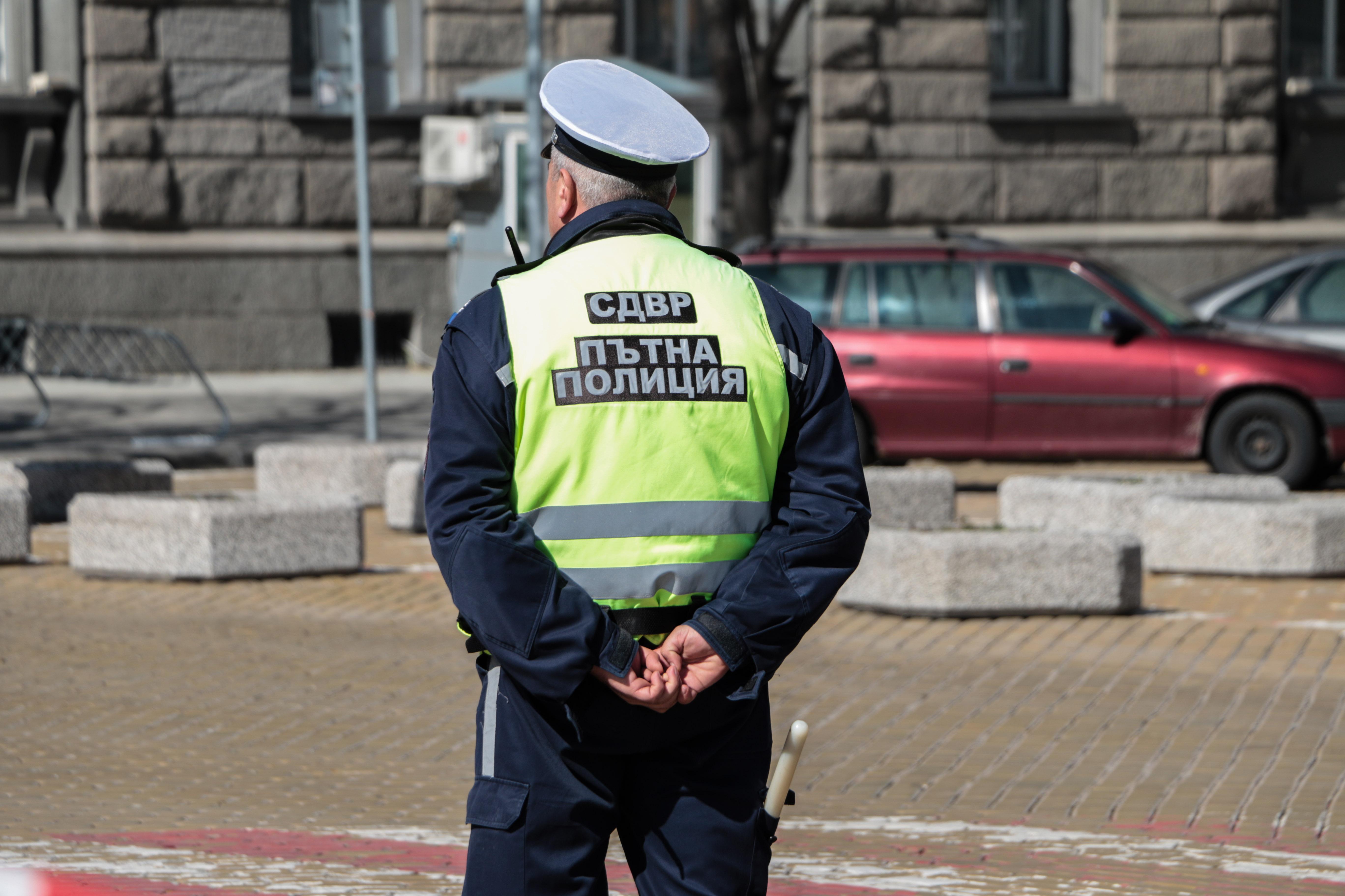 Кметовете искат правомощия на пътни полицаи