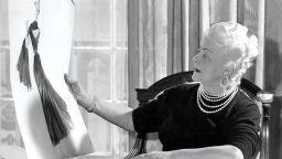Как дъщерята на обущар създаде една от 5-те водещи модни марки в света