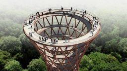 Как да се разходиш в гората в спираловидна кула на 45 метра височина