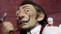 "Руски художник прави кукли ""мини Тюсо"""