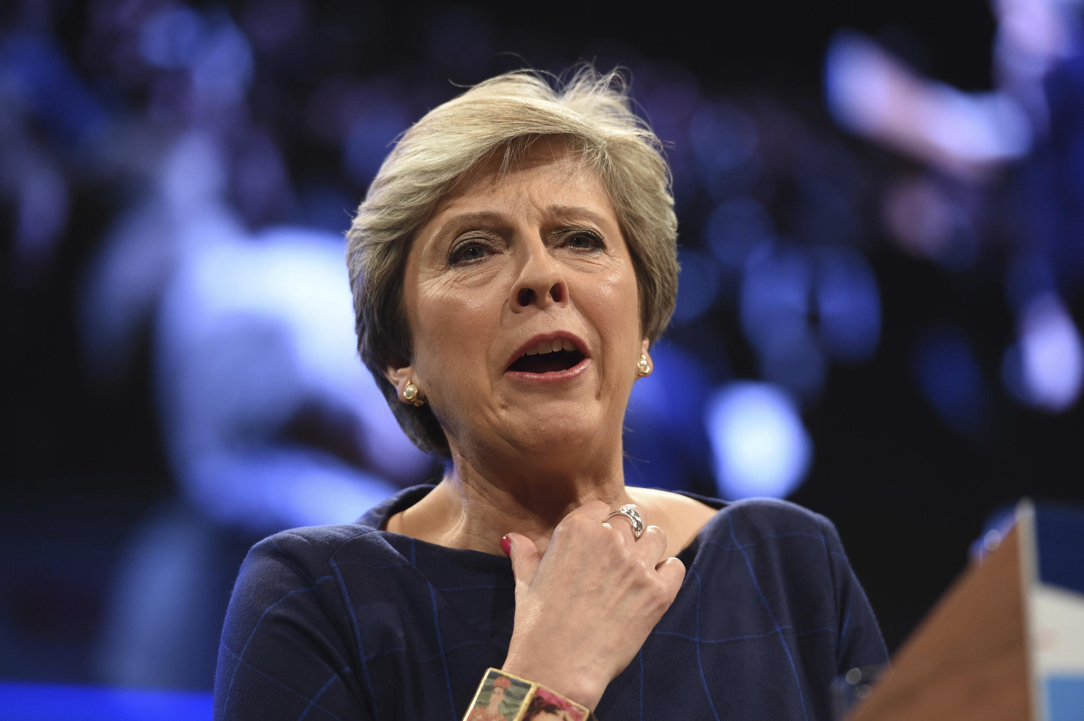 Заради Брекзит: Кабинетът на Тереза Мей подава оставка утре?