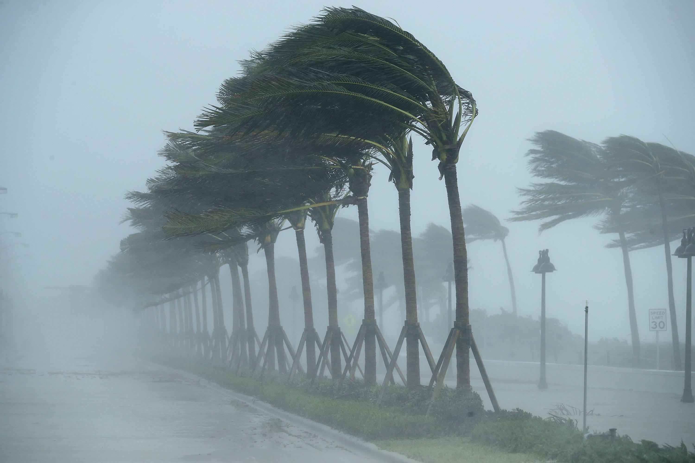 Сменят имената на 4 смъртоносни урагана