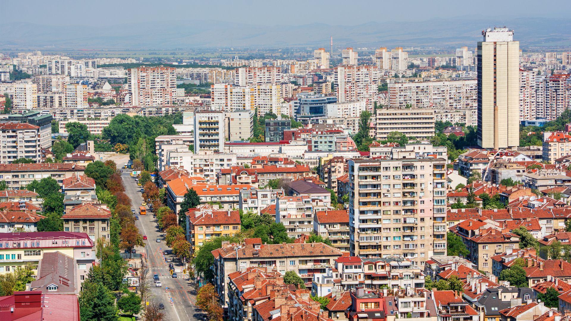 Костинброд с най-много нови жители през 2020 г., 20 000 по-малко крачат из София