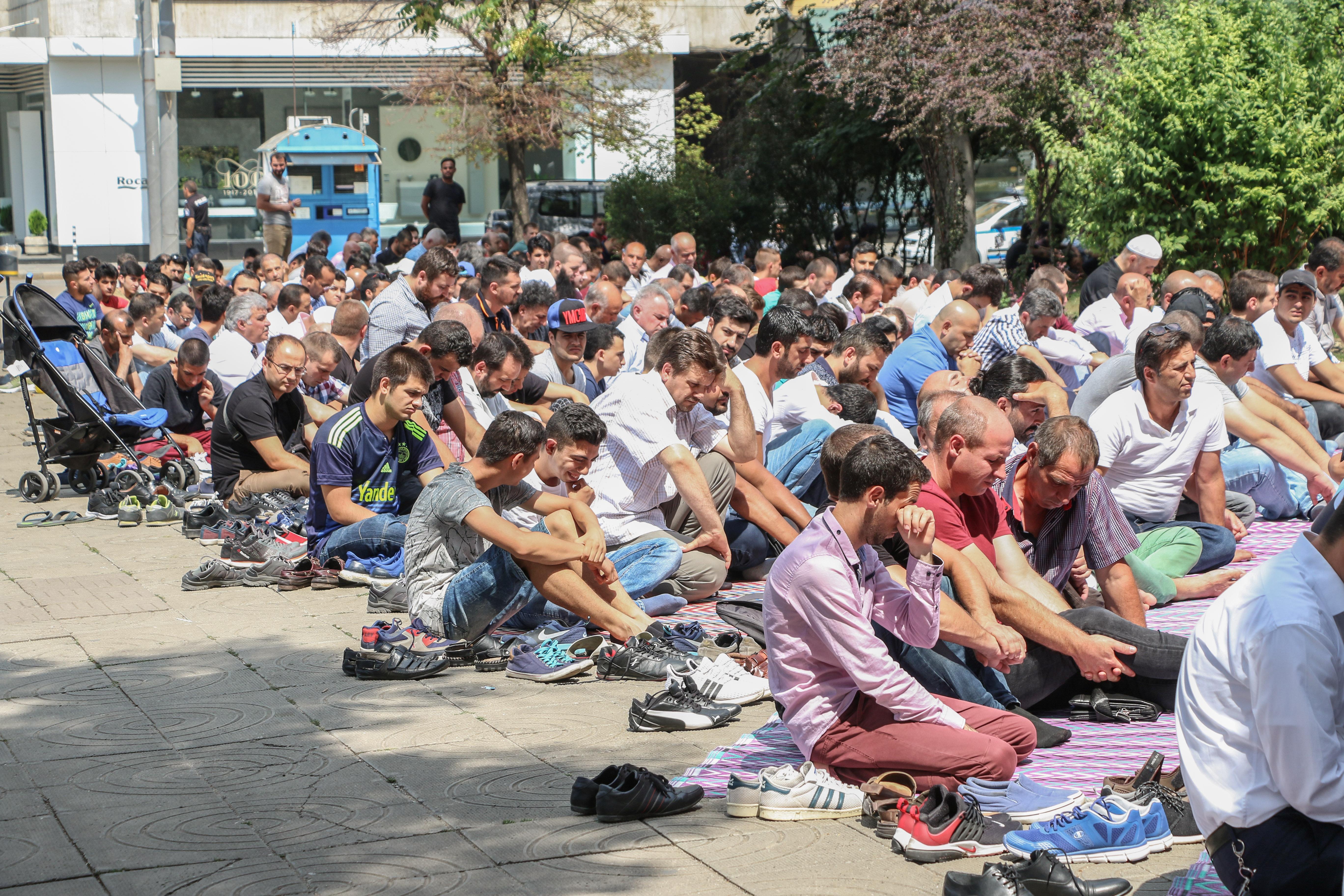 Анкара: Безплатно висше и стипендии за турците от България