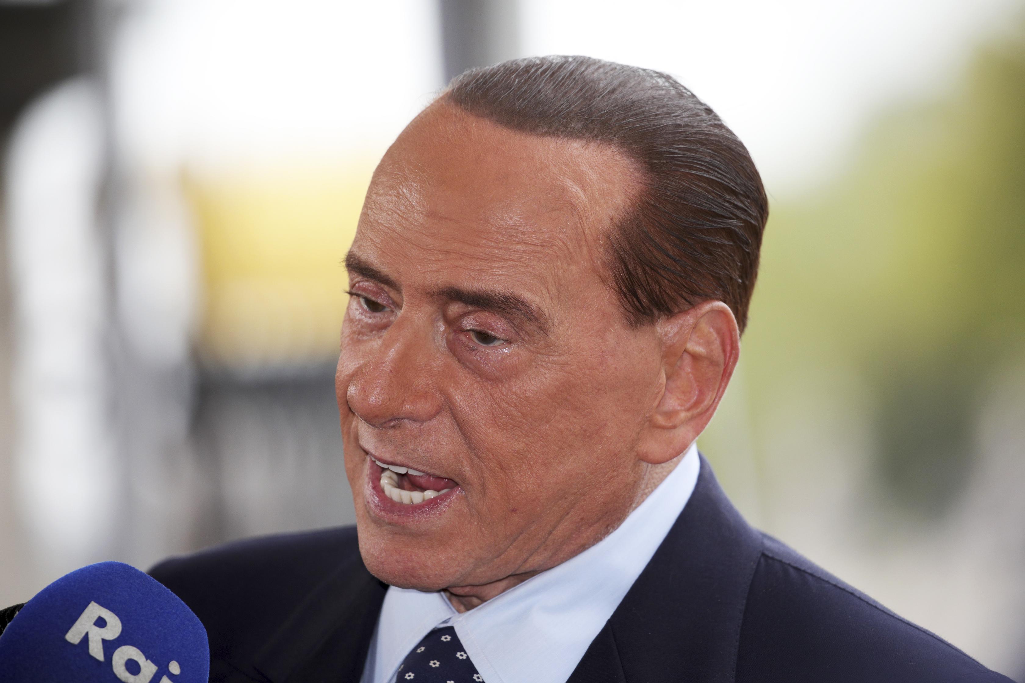 Берлускони издига Тото Кутуньо и Ал Бано за депутати