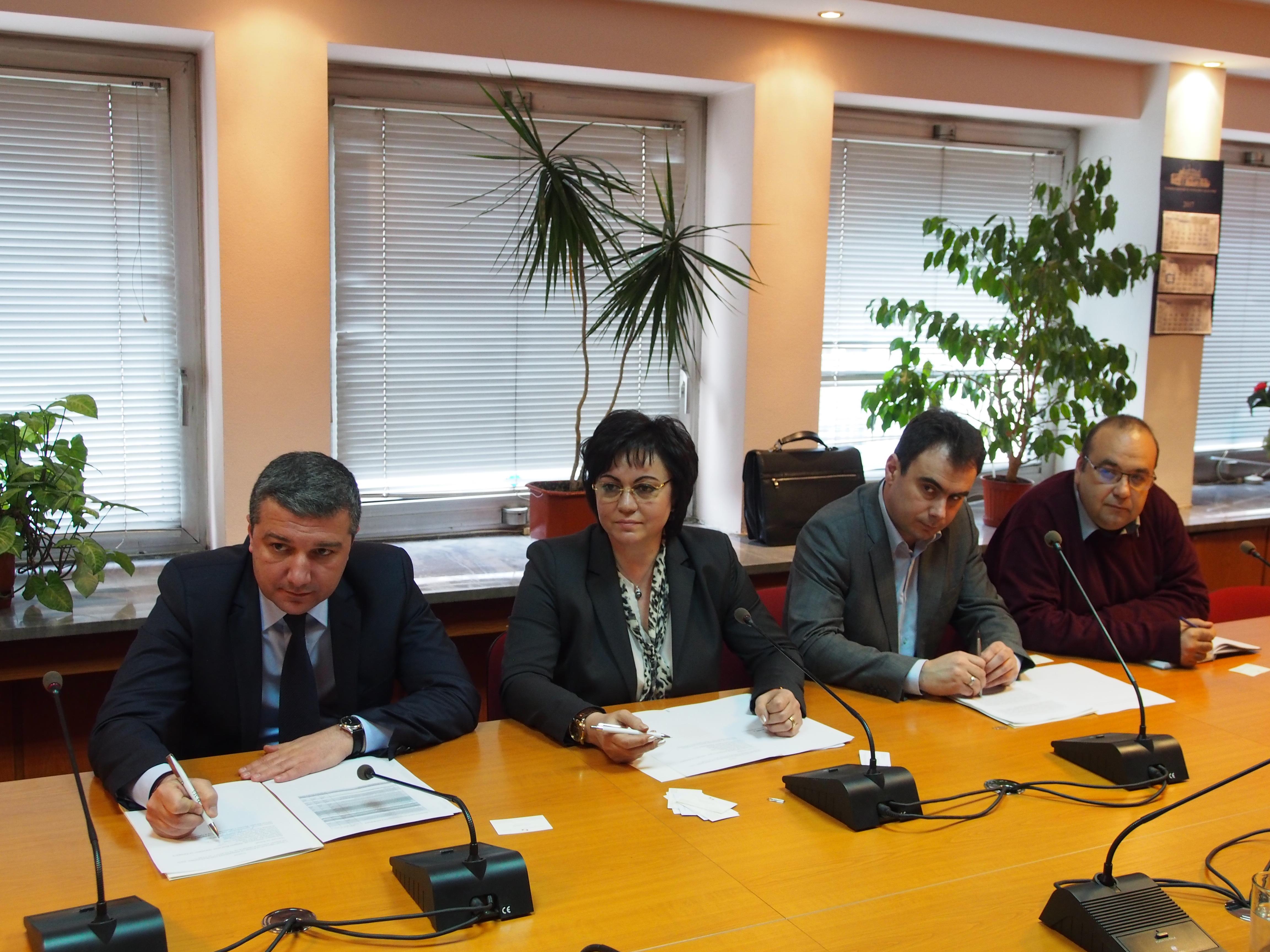 Драгомир Стойнев: БСП е сама в борбата с корупцията