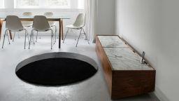 Дизайнер създаде стряскащо килимче за нежелани гости