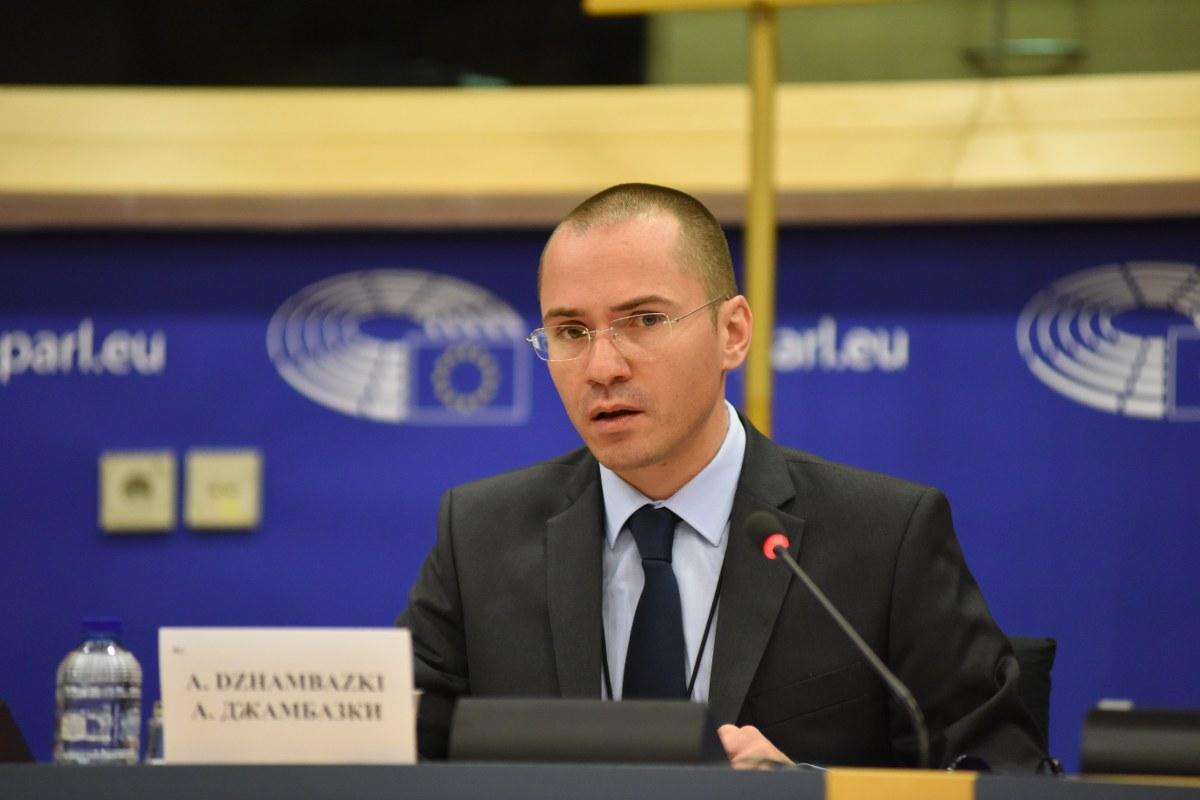 Джамбазки: Луди ще ги направя сърбите заради нашите лекари