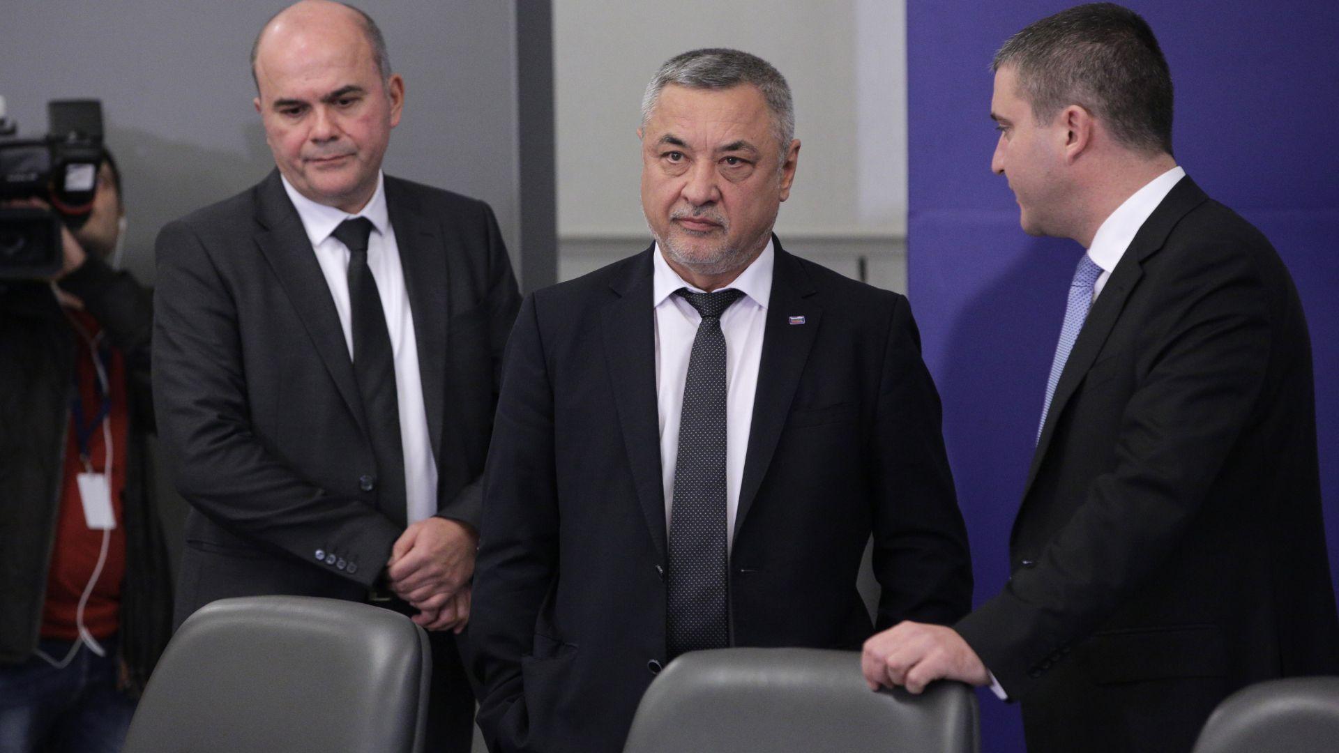 Симеонов: Връщането на стария режим е в полза на непушачите