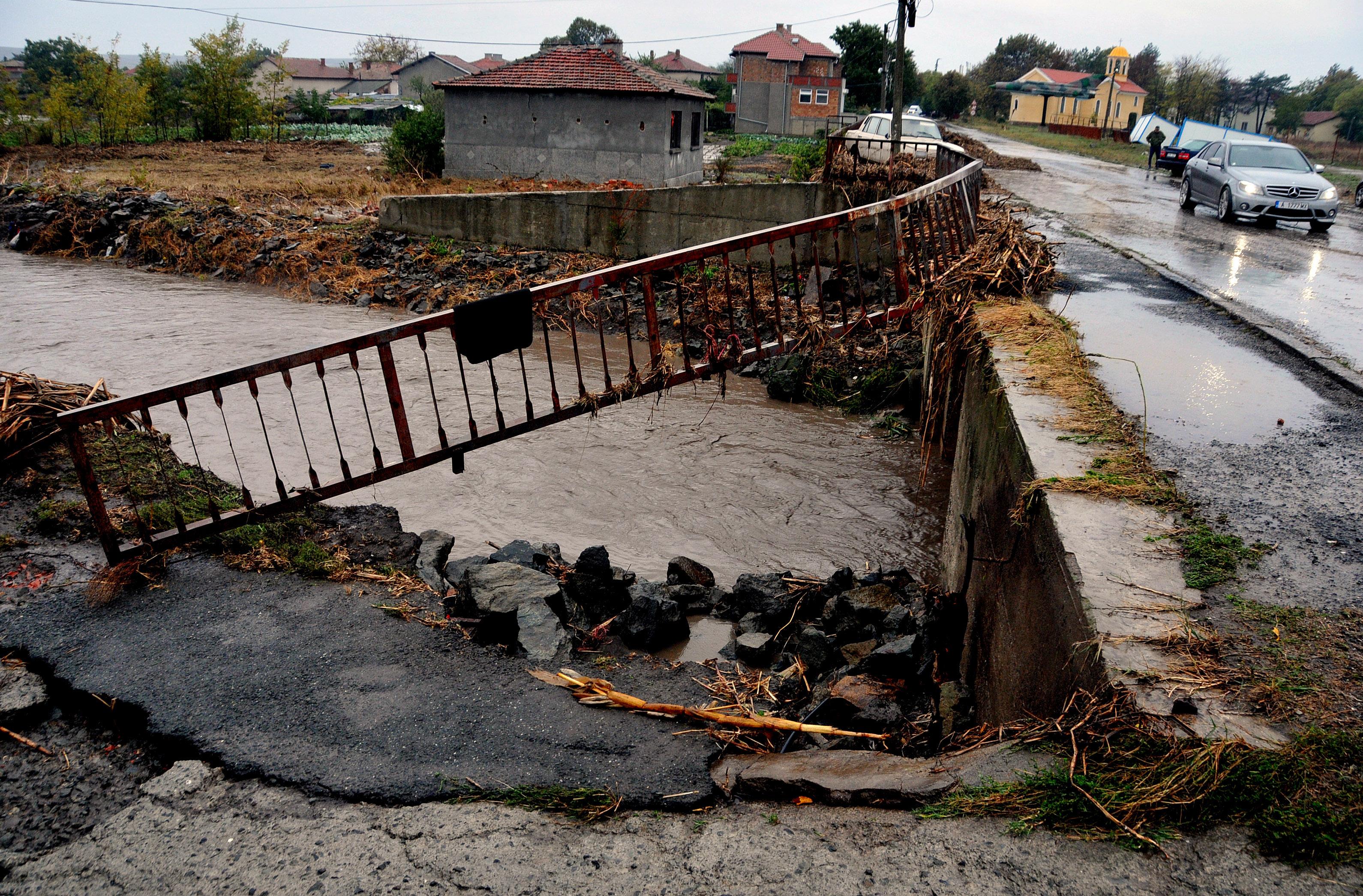 Държавата дава още 50 000 лв. на хора от Камено
