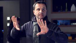 """Режисьорът на """"Вездесъщият"""" Илиян Джевелеков:  Всеки от нас има своите мръсни тайни"""