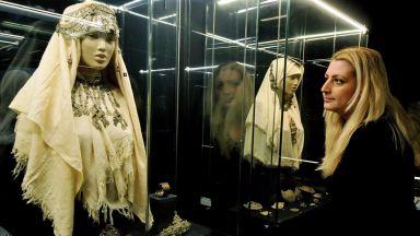 Красотата и блясъка на накитите през вековете показват в Археологическия музей в Бургас