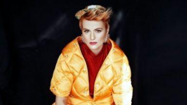 Нов видеоклип на Рут Колева пита в какво ни превръщат социалните мрежи