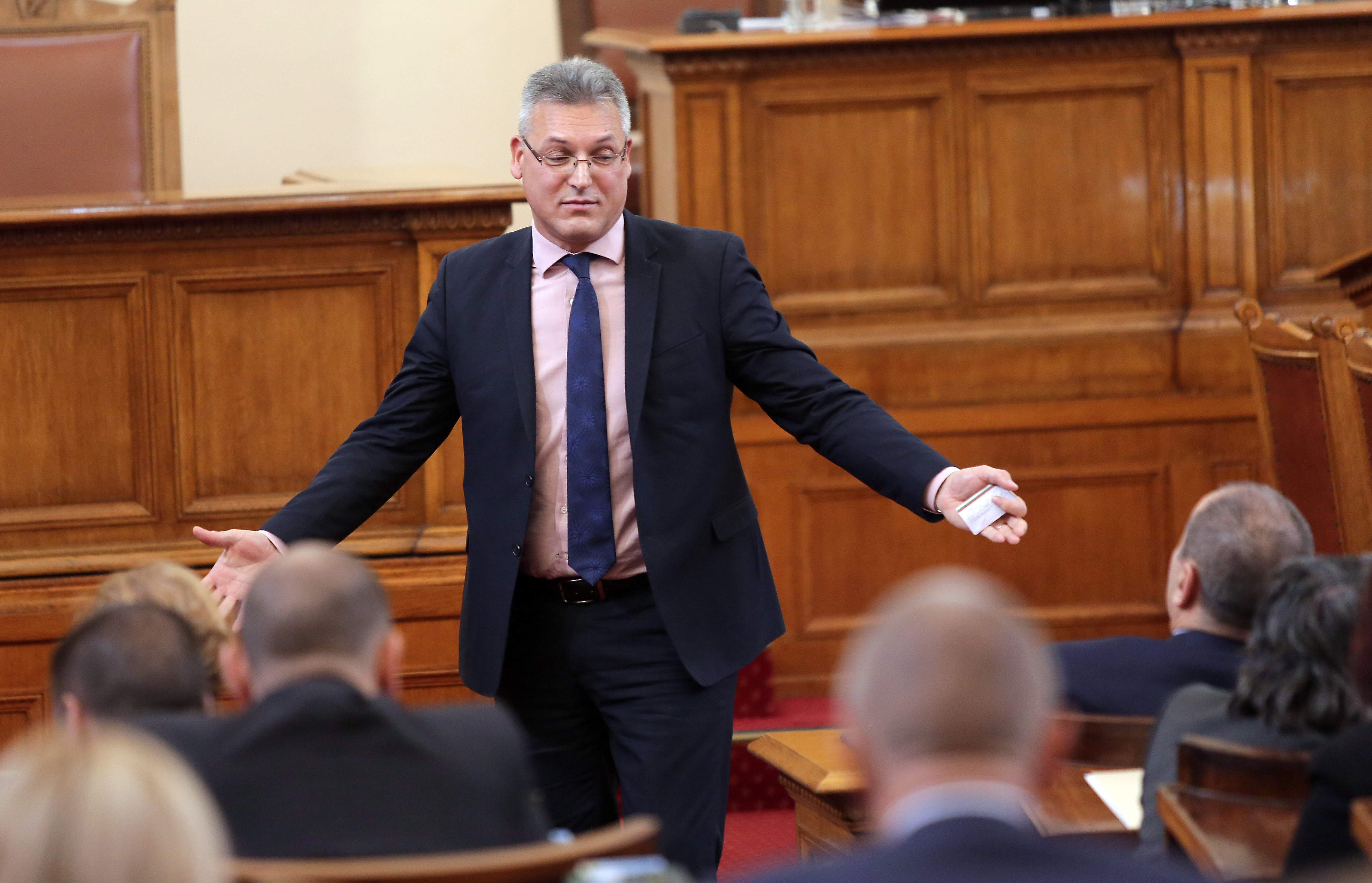 Валери Жаблянов ли забърка скандала с декларацията на БСП?