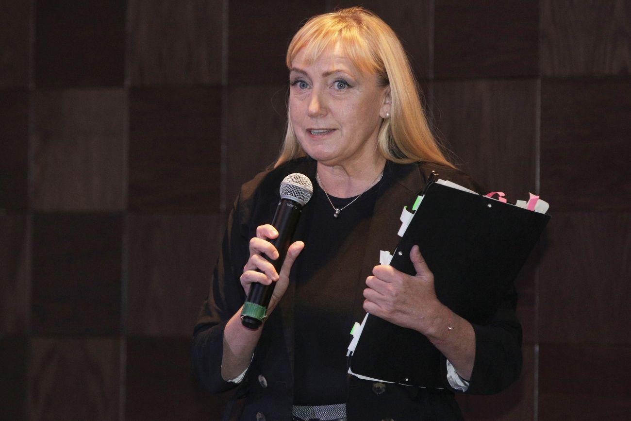 Йончева показа филм със злоупотреби пред Цветанов и Симеонов