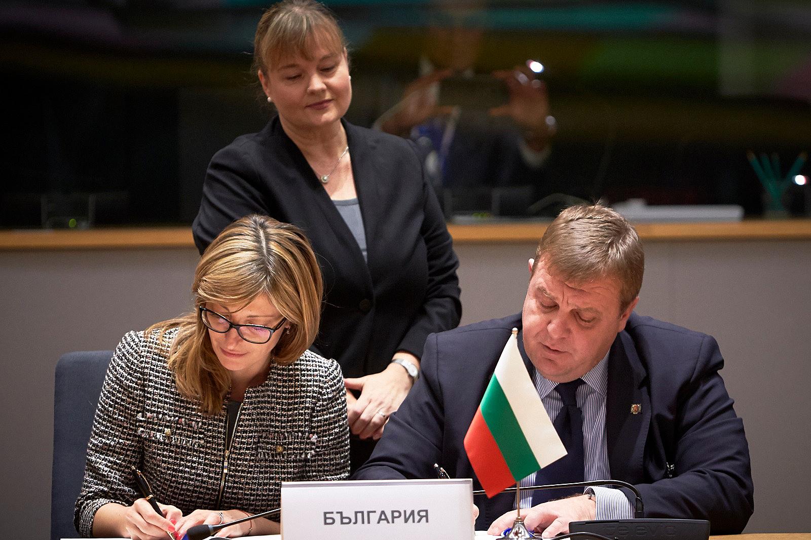 23 държави от ЕС се договориха за общи проекти в отбраната