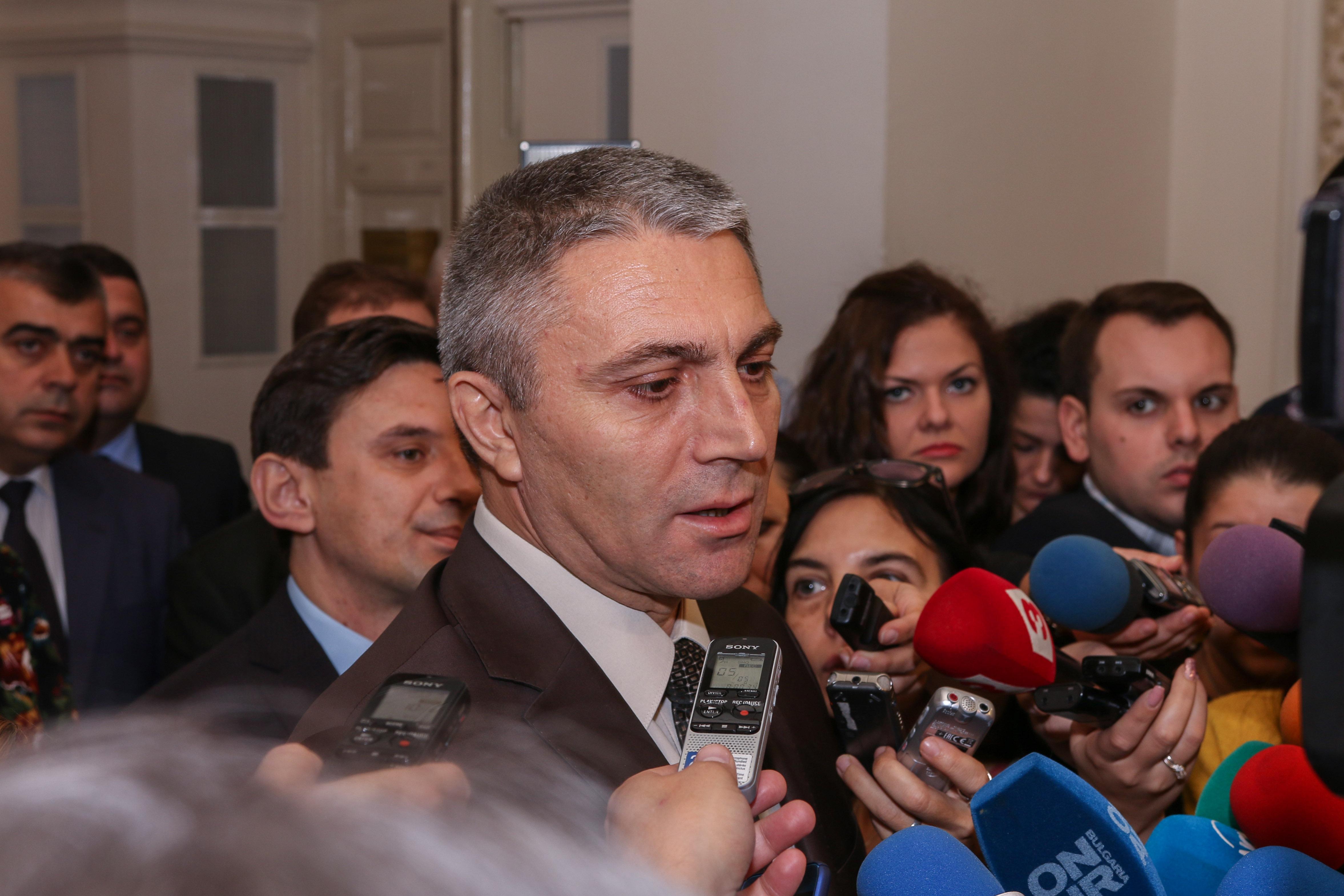 Карадайъ: Липсва институцията председател на НС