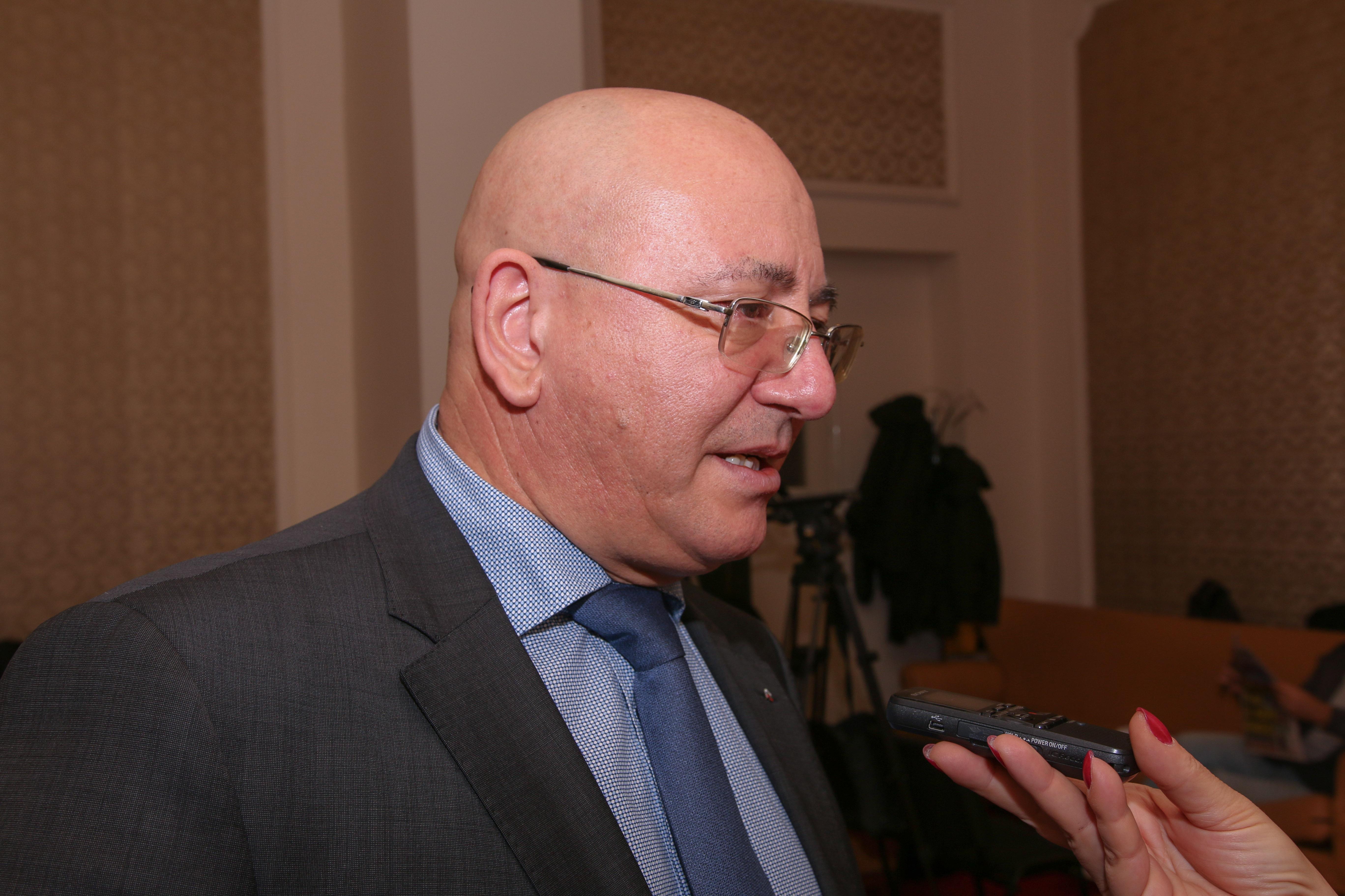 Емил Димитров - Ревизоро: Прекалиха, трябва да се поукротят