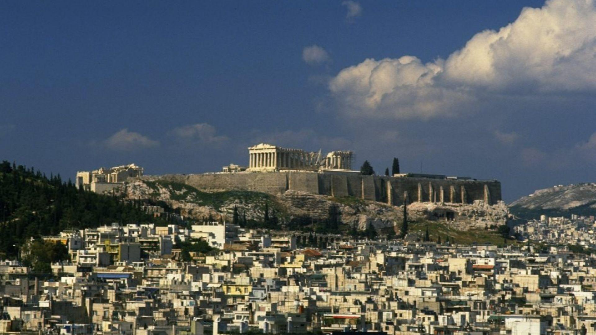 Поставят Атина под пълен локдаун