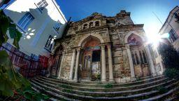 Полуразрушената Сефарадска синагога във Варна става културен център