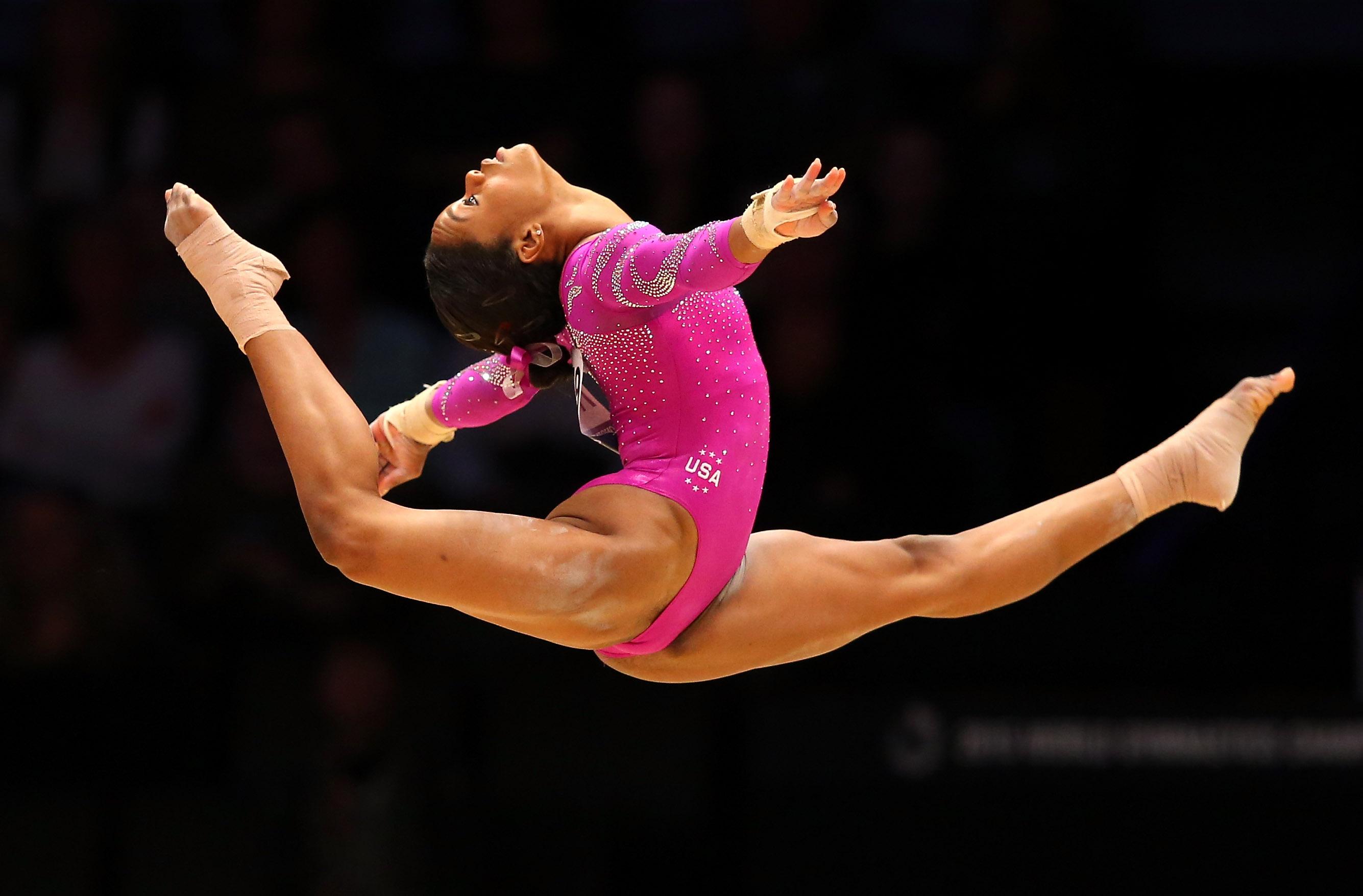 Hot italian gymnast babe, milf hunter felecia