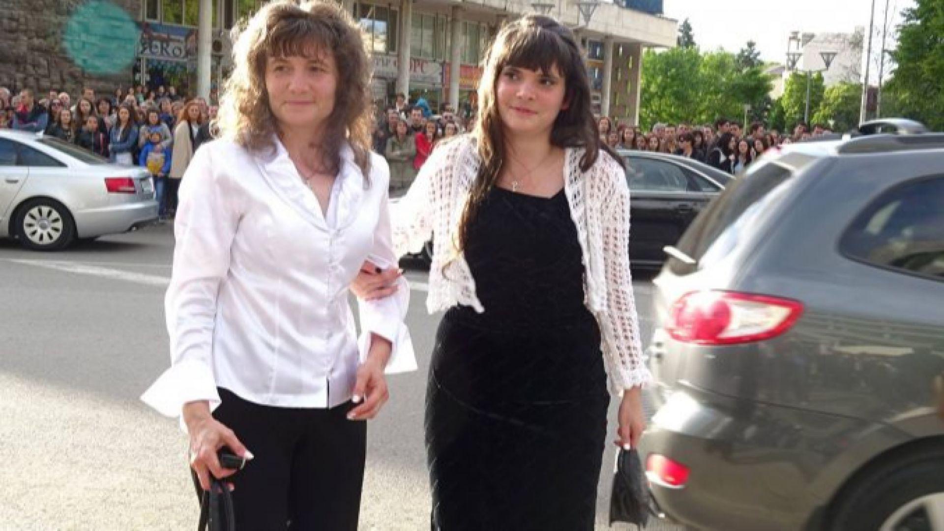 Доживотен затвор грози майка и дъщеря, хвърлили бебе от 7-ия етаж