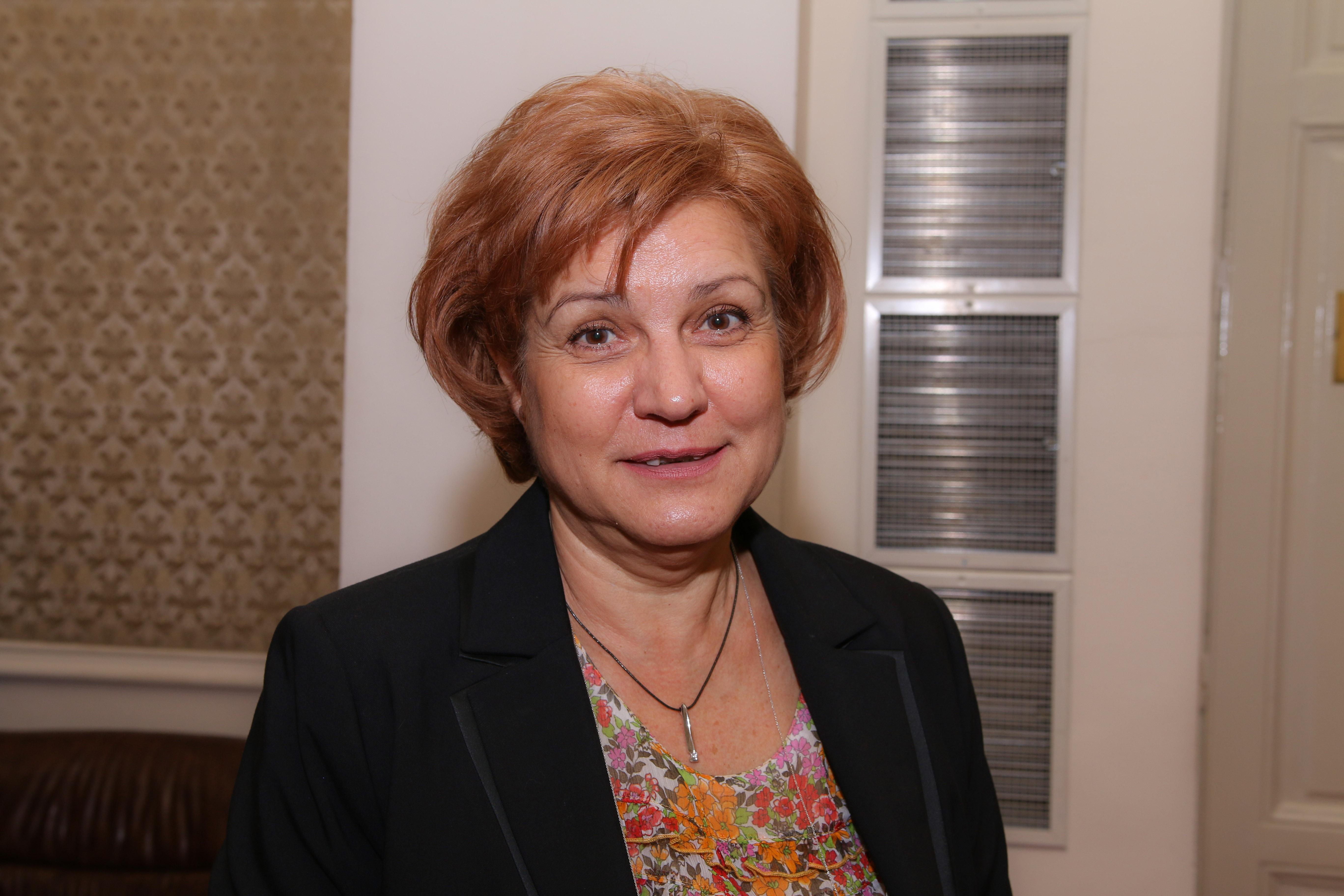 Менда Стоянова: Сменяме стари касови апарати