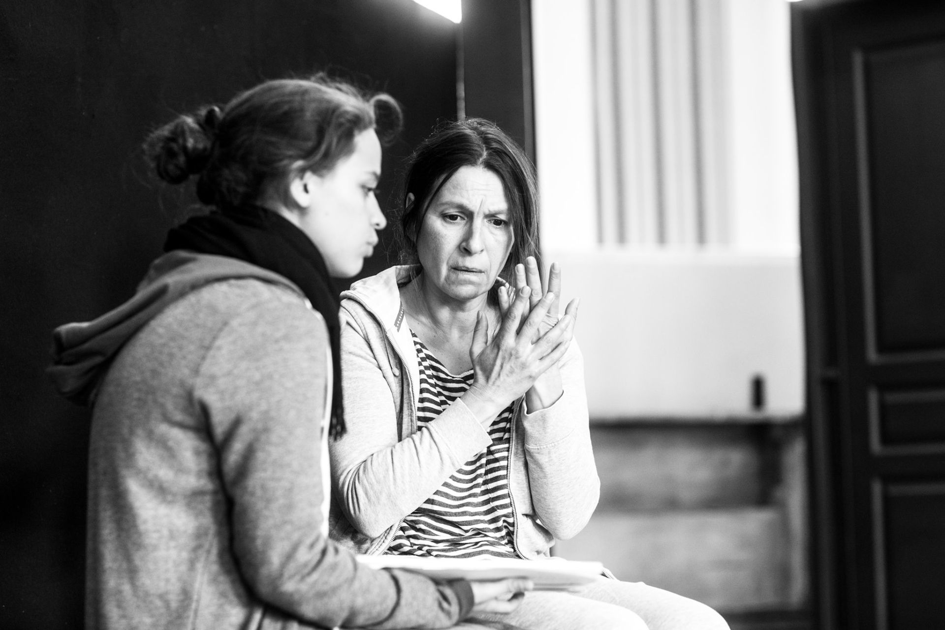 "Еелна Телбис и Светлана Янчева по време на репетициите за представлението ""Танцът Делхи"""