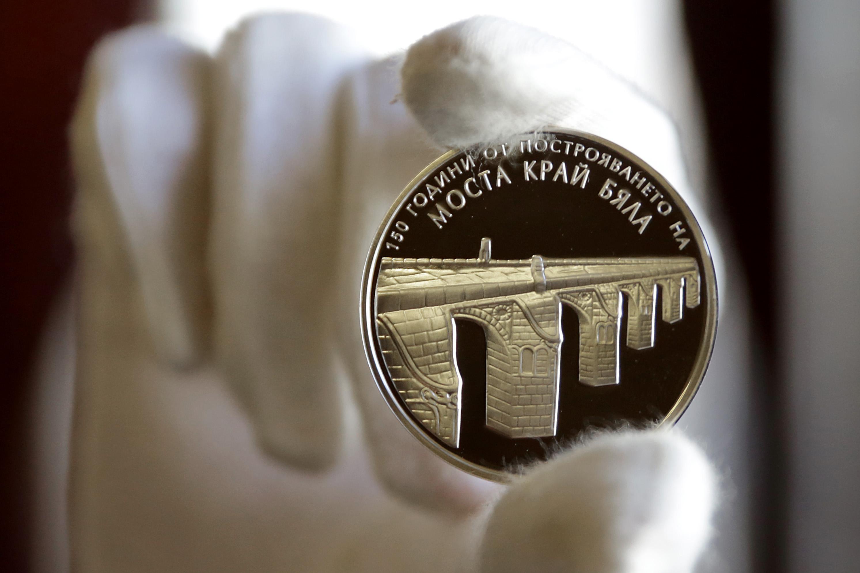 БНБ пуска сребърна монета за Кольо Фичето