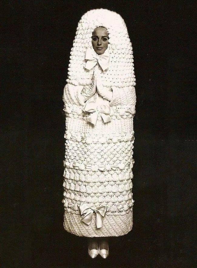 Phì cười với những bộ váy cưới thảm họa, nếu không hù quan khách chết khiếp thì cũng khiến chú rể bỏ của chạy lấy người - Ảnh 5.