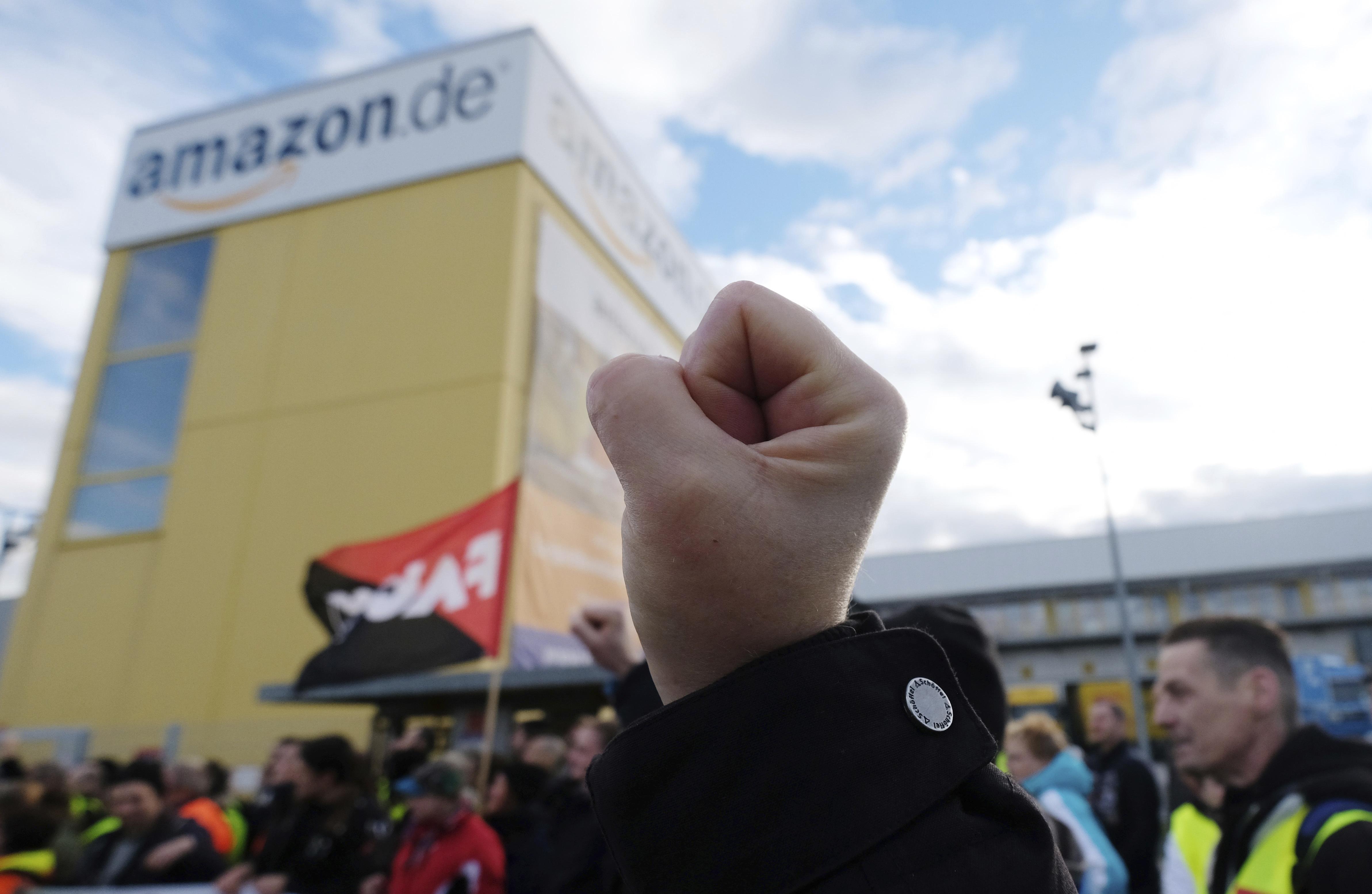 Служителите на Амазон в Германия и Италия стачкуват