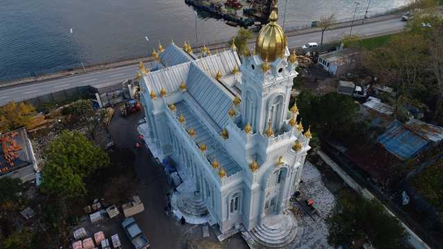 """Заснеха от въздуха ремонта на """"Св. Стефан"""" в Истанбул"""