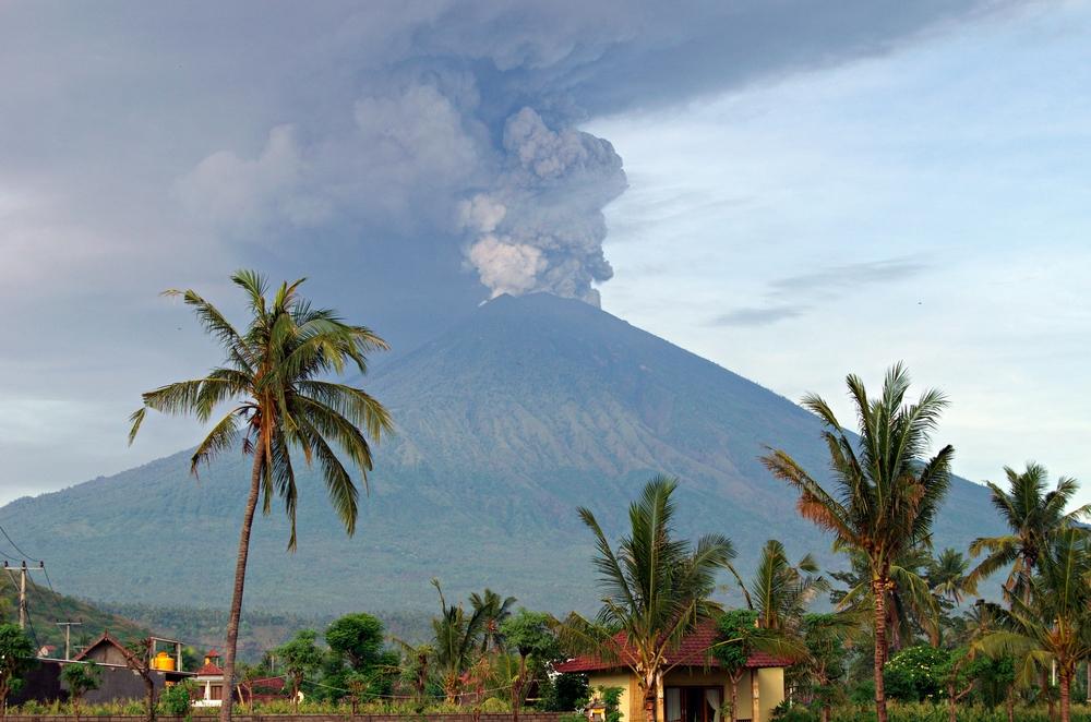 Вулканът Агунг може да понижи температурата на Земята