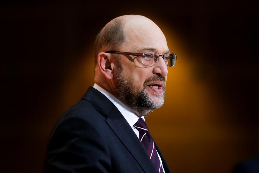Мартин Шулц се отказва от поста на външен министър