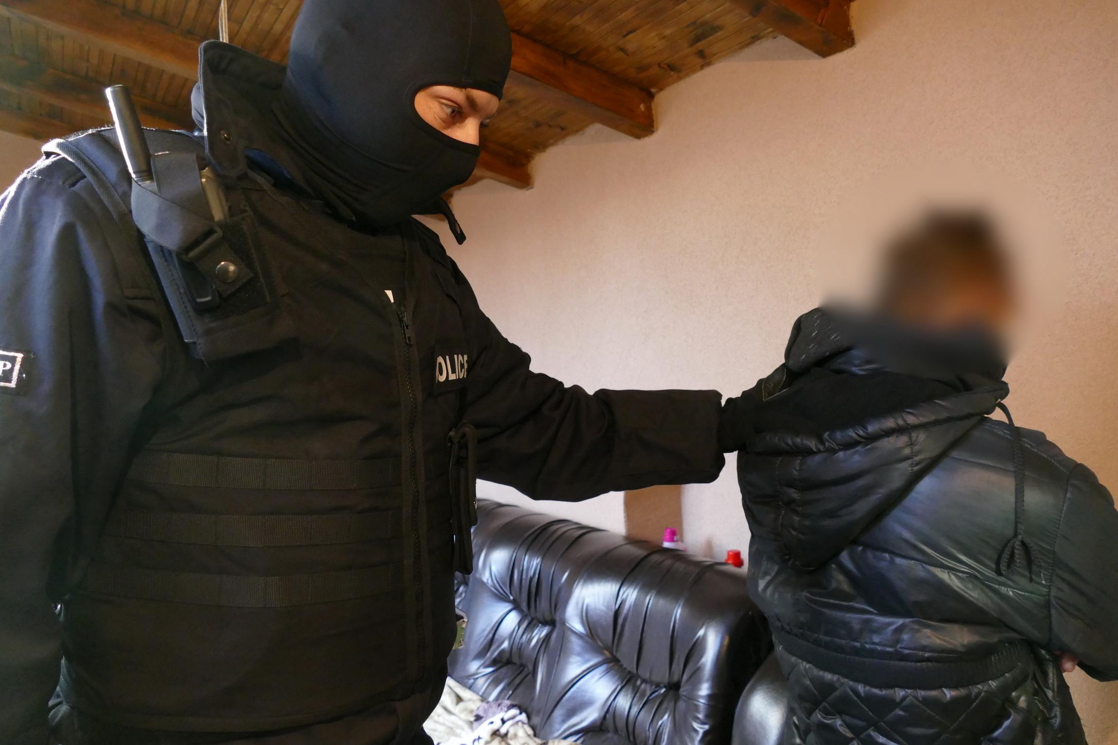 ГДБОП ударила в Казанлък наркоканал за Австрия