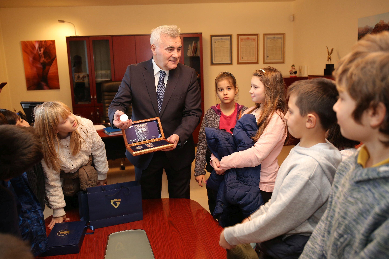 За банкерския празник Общинска банка отвори врати за деца
