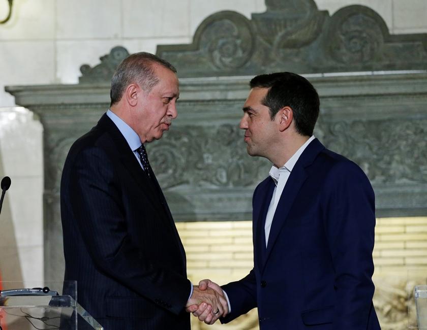 Ердоган в Гърция: Да вярваме, че чашата е наполовина пълна