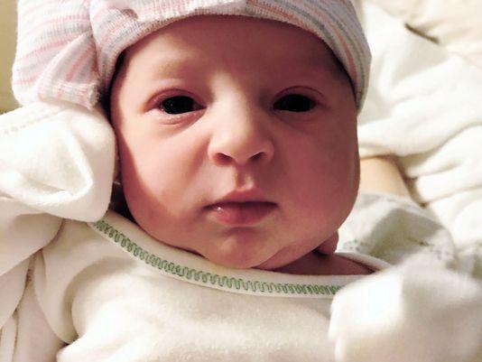 Бебе се роди от ембрион, замразен преди 24 г. (видео)