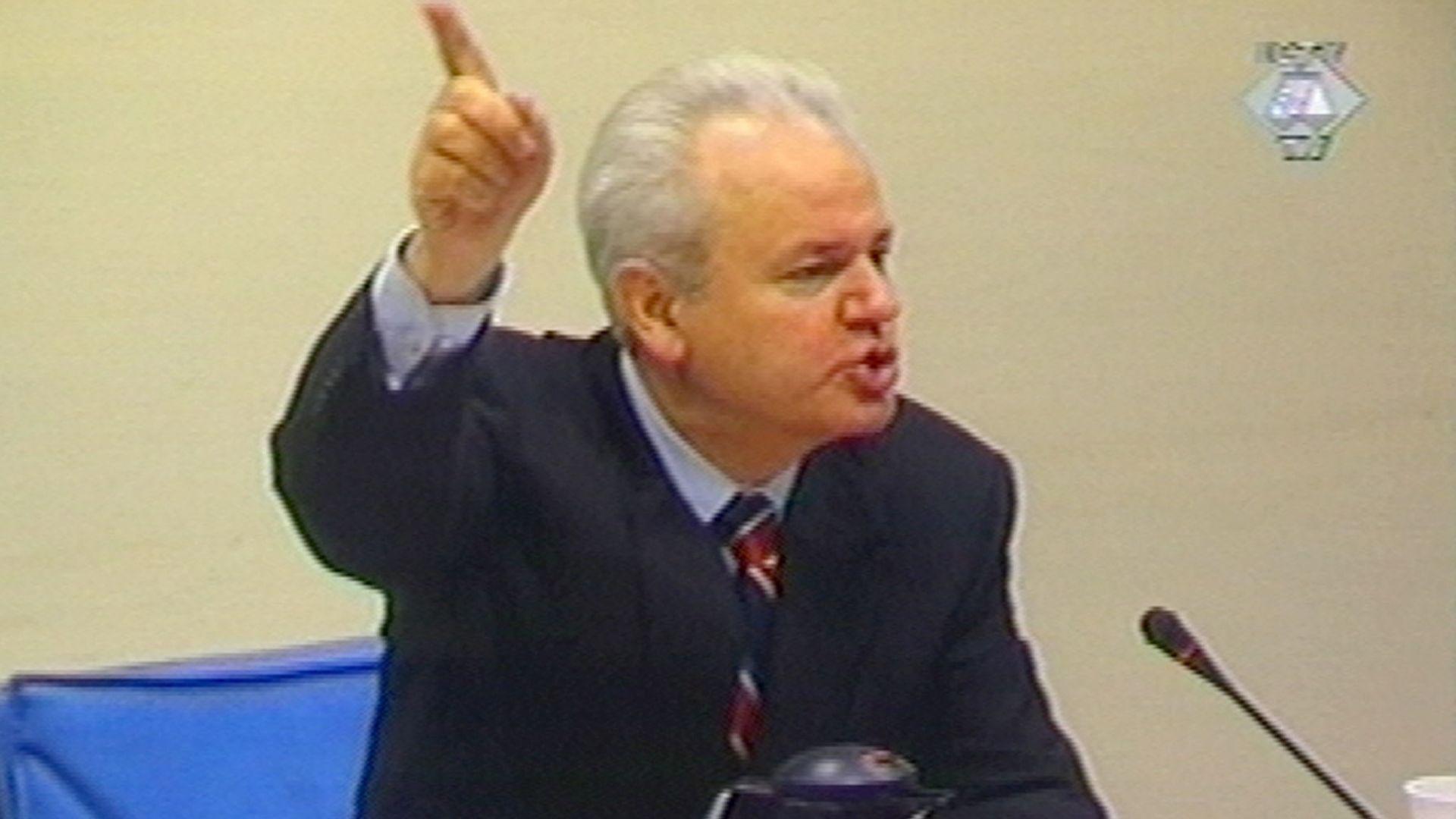 Бившият посланик на Великобритания в Сърбия сър Айвър Робъртс заяви