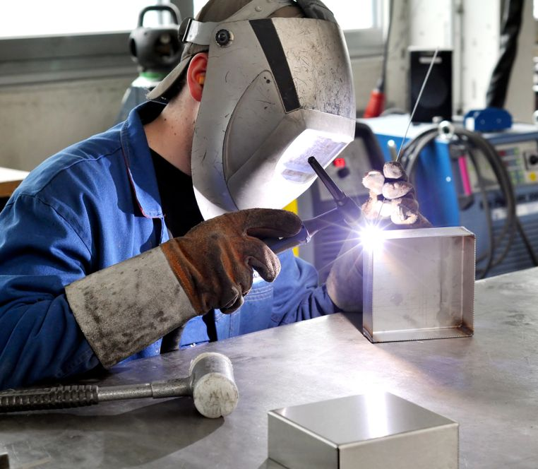 30 000 български фирми ще внасят работници