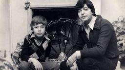 Емил Димитров - син: Майка и татко живяха като в индийски филм