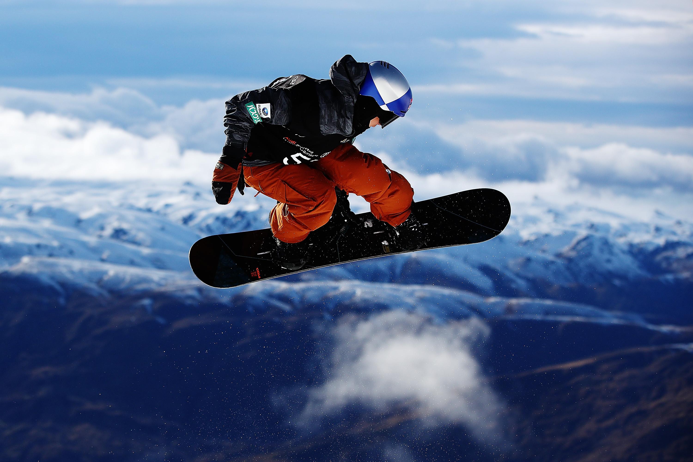 5-годишно дете е в кома, блъснато от сноубордист