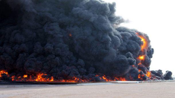 Петролът се търгува около две и половина годишни върхове след взрив на важен нефтопровод в Либия