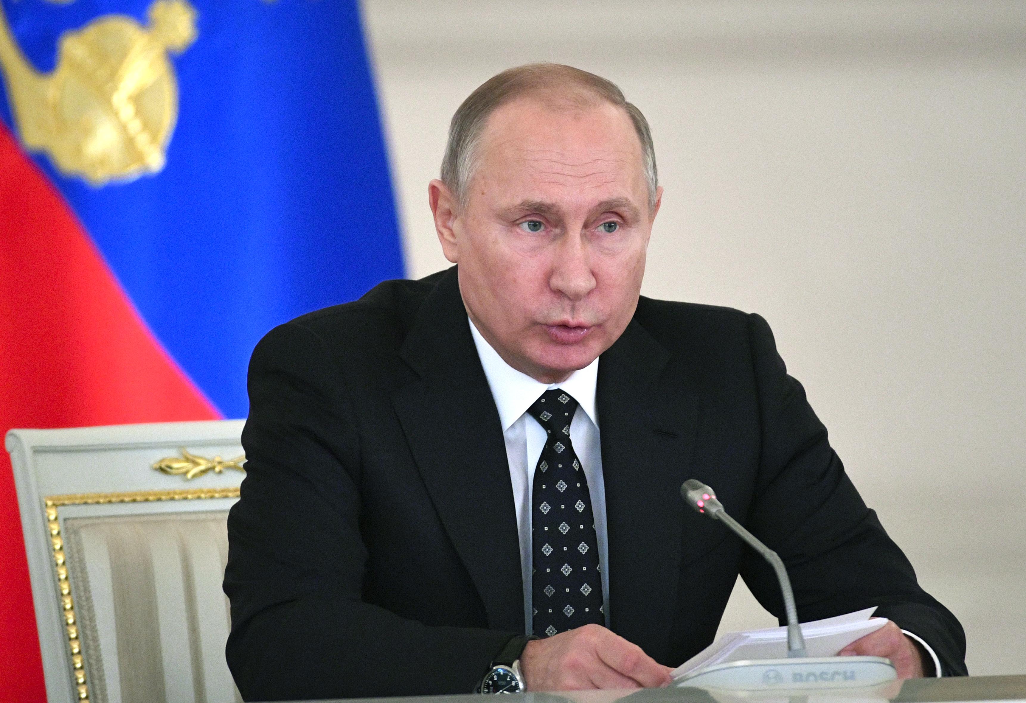 Русия готова да върне военната техника от Крим на Украйна