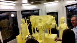 500-килограмова скулптура от масло